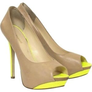 ENZO ANGIOLINI Nude, Leather Platform Pumps/Heels